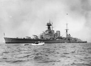 HMS_Hood_as seen from the HMS repulse