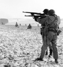 Panzer B - US troops