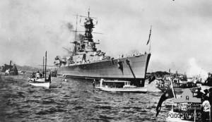 HMS Hood in Sydney Hoarbour (1924) - Wiki