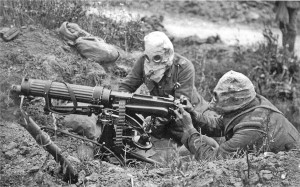 WWI Vickers_machine_gun_crew_with_gas_masks