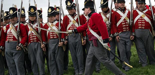 Waterloo_march-reenactors 2015